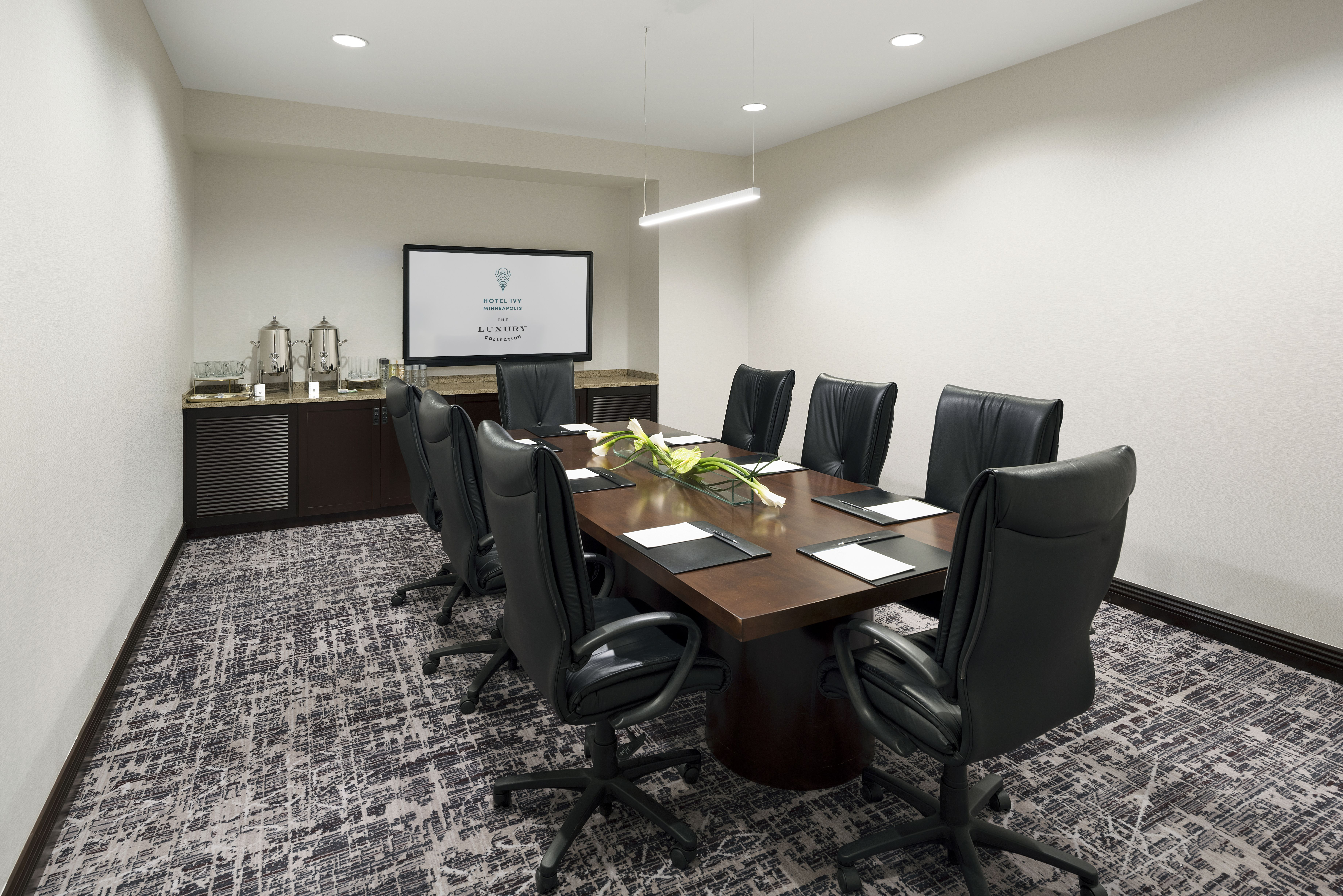 Minneapolis Meeting Space - Boardroom